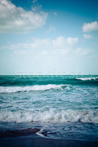 Boş deniz plaj turkuaz beyaz dalgalar Stok fotoğraf © fotoduki