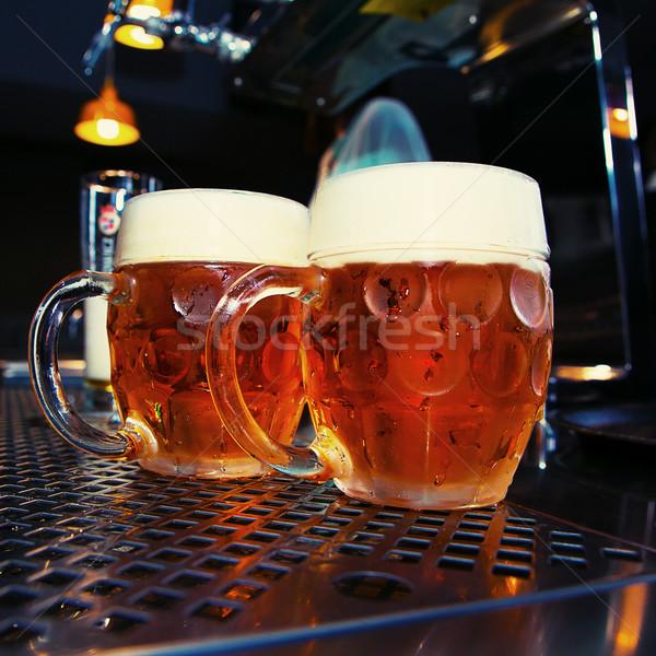 Büyük bira cam bar tablo Stok fotoğraf © fotoduki