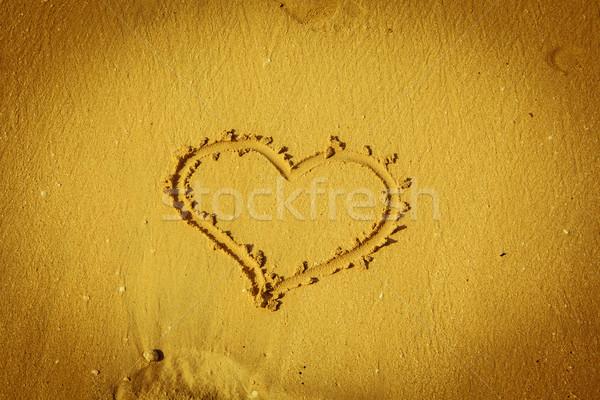 Szív tengerparti homok citromsárga háttér homok kártya Stock fotó © fotoduki