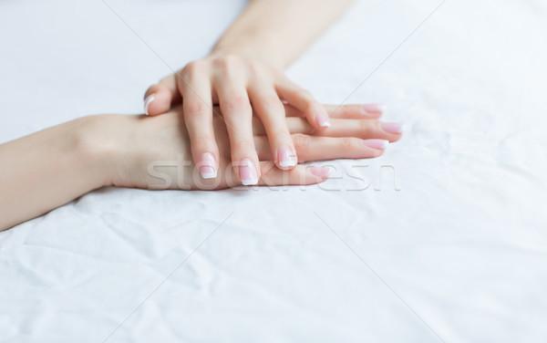 Mooie vrouwelijke handen manicure witte vrouw Stockfoto © fotoduki