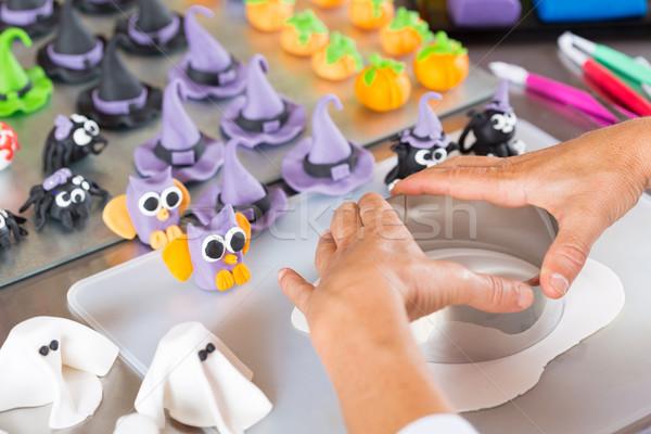 Halloween lavoro donna alimentare mano occhi Foto d'archivio © fotoedu