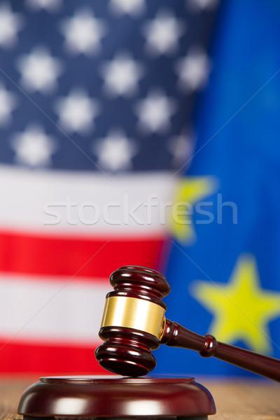 Rechter hamer Verenigde Staten vlaggen europese vlag Stockfoto © fotoedu