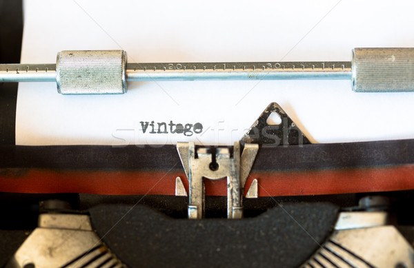 Vintage máquina de escrever texto teclado carta chave Foto stock © fotoedu