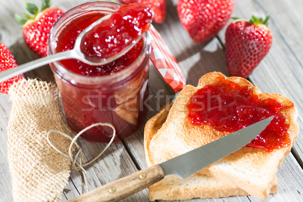 Eper lekvár friss pirítós reggeli otthon Stock fotó © fotoedu