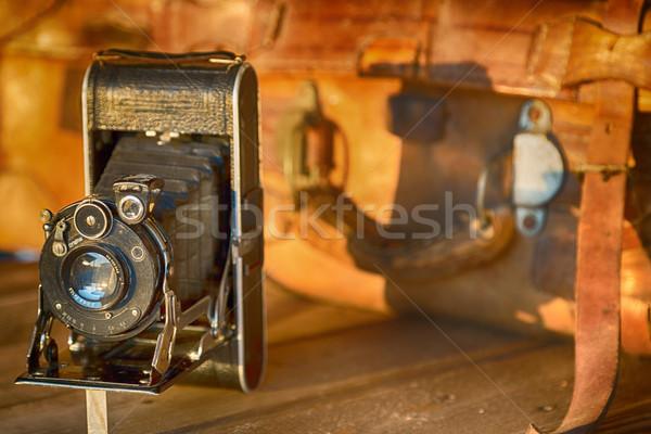 Vintage фото камеры чемодан путешествия сумку Сток-фото © fotoedu