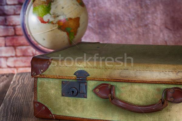 антикварная чемодан Мир мяча выбирать Сток-фото © fotoedu