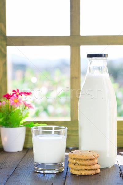 Vidro leite caseiro bolinhos janela beber Foto stock © fotoedu