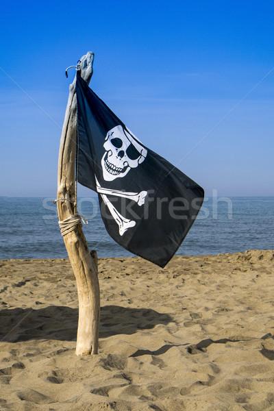Bandiera pirati allarme pericolo aggressione cielo Foto d'archivio © Fotografiche