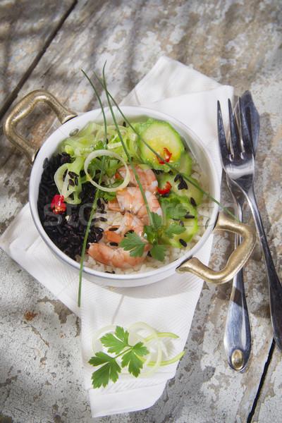 Blanc noir risotto crevettes courgettes deuxième plat Photo stock © Fotografiche