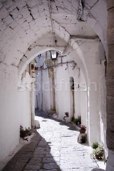 Beyaz yollar yaya sokaklarda şehir dinlenmek Stok fotoğraf © Fotografiche