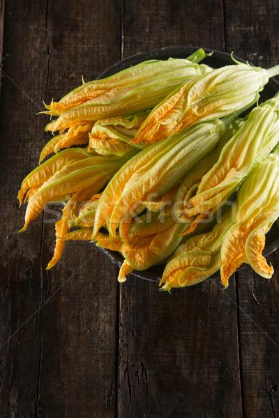 Fresco amarelo abóbora flor apresentação Foto stock © Fotografiche