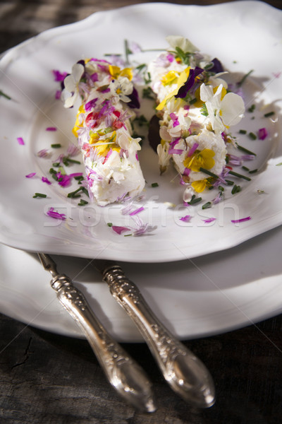 Сыр из козьего молока съедобный цветы презентация весны Сток-фото © Fotografiche