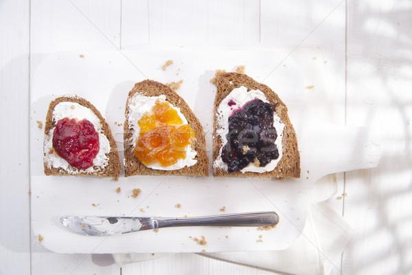 Desayuno pan atasco italiano pan de trigo entero mantequilla Foto stock © Fotografiche
