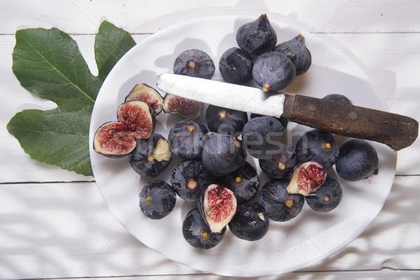 Noir présentation ensemble typique fruits d'été Photo stock © Fotografiche