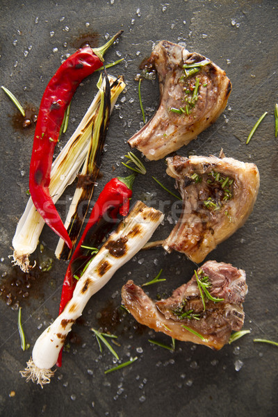 Cordeiro cozinhado grelha alho-porro vermelho pimenta Foto stock © Fotografiche