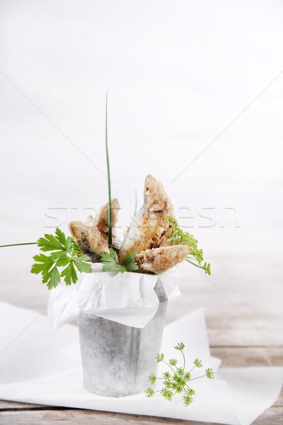 Sült bemutató tengeri hal hal saláta eszik Stock fotó © Fotografiche