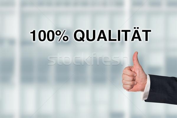 üzletember mutat szavak 100 minőség iroda Stock fotó © fotoquique