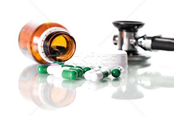 聴診器 表 錠剤 医師 病院 薬 ストックフォト © fotoquique