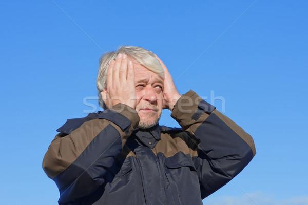 Portret man blauwe hemel volwassen grijs haar Stockfoto © fotorobs