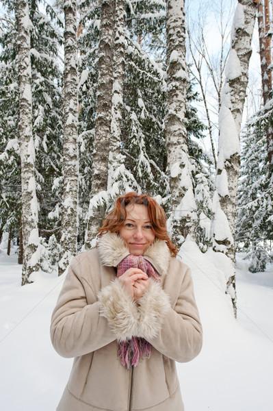 Kadın orman dondurulmuş gün eller gülümseme Stok fotoğraf © fotorobs