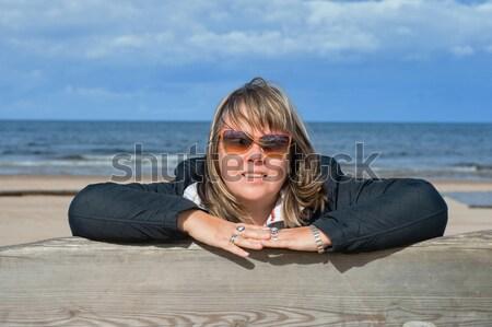 Vrouw ontspannen zee volwassen mollig oostzee Stockfoto © fotorobs