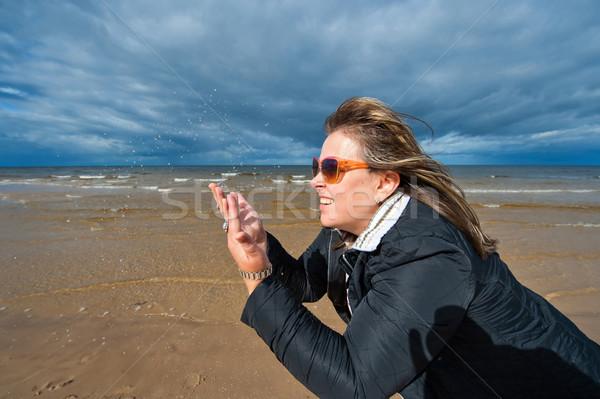 Stockfoto: Volwassen · vrouw · zee · portret · volwassen · aantrekkelijke · vrouw