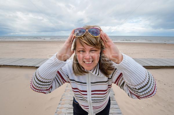 Volwassen vrouw zee portret volwassen aantrekkelijke vrouw Stockfoto © fotorobs