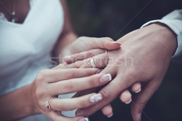 Anillos boda hermosa oro ceremonia nina Foto stock © FotoVika