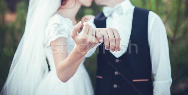 Anéis casamento belo ouro menina Foto stock © FotoVika