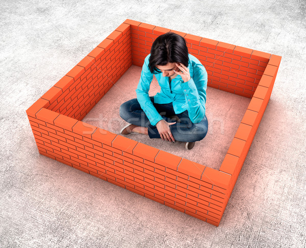 Muur rond meisje vrouw gebouw veiligheid Stockfoto © FotoVika