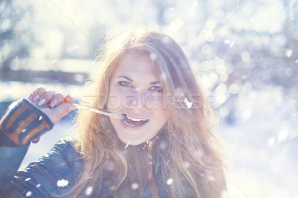 Meisje ijskegel foto mooi meisje mond vrouw Stockfoto © FotoVika