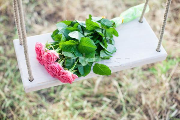 цветы Swing красивой розовый цветок трава Сток-фото © FotoVika