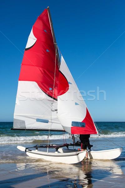 Catamarán vela barco bastante rojo blanco Foto stock © fouroaks