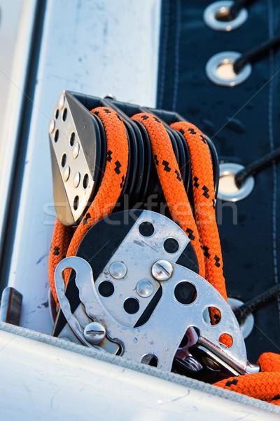 Touwen oranje roestvrij staal zeilen jacht Stockfoto © fouroaks