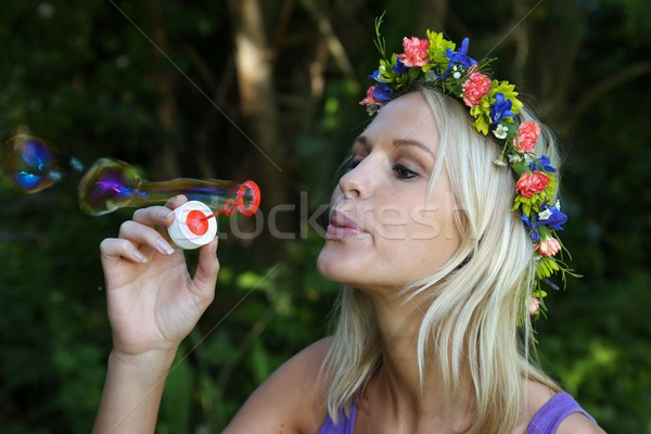 Joli bulle ventilateur fille Photo stock © fouroaks