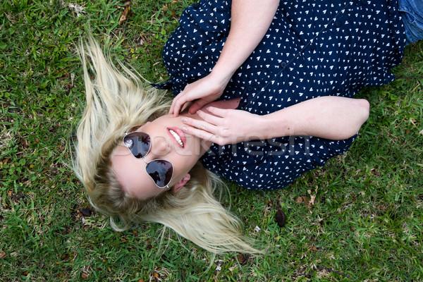 красивой женщину Солнцезащитные очки молодые Lady Сток-фото © fouroaks