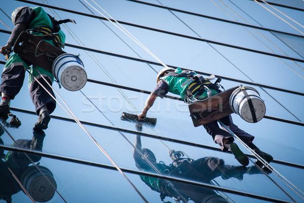 Foto stock: Grupo · trabalhadores · limpeza · windows · serviço · alto