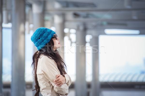 женщину зима одиноко Сток-фото © FrameAngel