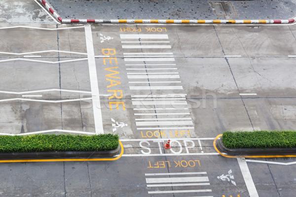 зебры городского асфальт дороги люди транспорт Сток-фото © FrameAngel