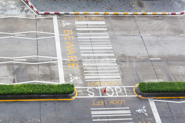Zebra urbana asfalto strada persone transporti Foto d'archivio © FrameAngel