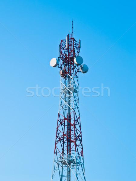 Telefone móvel comunicação antena torre blue sky televisão Foto stock © FrameAngel