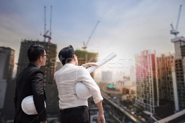 ázsiai üzletember megbeszél mérnök építész lakosztály Stock fotó © FrameAngel
