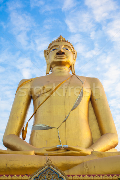 Buddha statue ciel bleu culte noir énergie Photo stock © FrameAngel