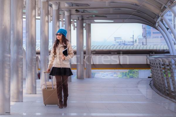 Сток-фото: азиатских · путешествия · женщину · свитер · пальто