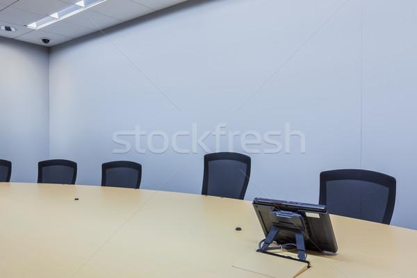 üzleti megbeszélés szoba telefon üzletember posta hangszóró Stock fotó © FrameAngel