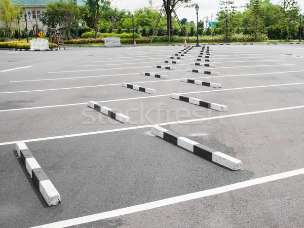 Samochodu parking miejskich parku transportu asfalt Zdjęcia stock © FrameAngel