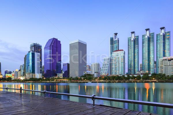 Negocios edificios oficina paisaje urbano crepúsculo cielo Foto stock © FrameAngel