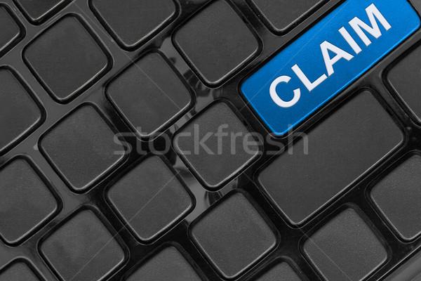 Toetsenbord sluiten beweren verzekering woord Stockfoto © FrameAngel