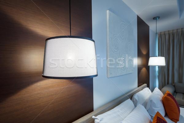 光 ランプ 白 ハンガー 天井 ベッド ストックフォト © FrameAngel