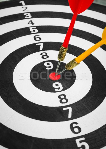 Iş rekabet hedef dart tahta yeşil Stok fotoğraf © FrameAngel